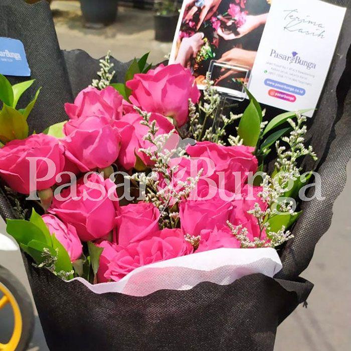 Handbouquet Wisuda Mawar Pink